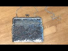Knitted Bags, Dog Tag Necklace, Diy And Crafts, Knit Crochet, Make It Yourself, Purses, Knitting, Jewelry, Youtube