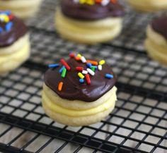 Boston Cream Whoppie Pies