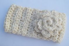 headband crochet pattern--has actual pattern on this site..gotta try this!