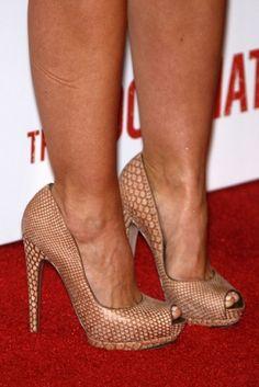 Minka Kelly #shoes #fashion #celebrity #heels