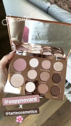 Tarte Kosmetik Lidschatten-Palette - Diet Tips For Beginners - Eye Shadow Palette - DIY Jewelry To Sell - Braided Hairstyle - DIY Home Pictures Skin Makeup, Eyeshadow Makeup, Makeup Cosmetics, Tarte Eyeshadow Palette, Tarte Pallete, Makeup Goals, Makeup Inspo, Makeup Inspiration, Makeup Remover