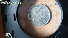 . Cinco pesetas de franco 1957*1960 todas las letras y numeros visibles muy buena .cobre 750 niquel 250 peso 5.75 grs 23.5 mm canto estriado. es una mbc,,,tambien recibo cambios  env�o a toda espa�a por correo certificado. previo pago en banco. gracias