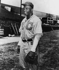 Classic Photos of Jackie Robinson
