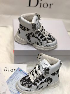 Cute Baby Shoes, Baby Boy Shoes, Cute Baby Clothes, Toddler Shoes, Kid Shoes, Girls Shoes, Luxury Baby Clothes, Designer Baby Clothes, Baby Outfits