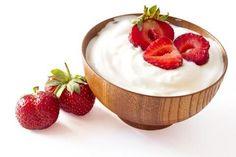 Did you know that yogurt it makes the list of one of the healthiest foods to eat? It's important to note that the KIND of yogurt makes all t. Diabetes, Coconut Yogurt, Greek Yogurt, Yogurt Bowl, Raw Coconut, Benefits Of Eating Yogurt, Braces Food, Raw Food Recipes, Healthy Recipes