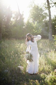 Bohemian hippie bride   www.amycloudphotography.com
