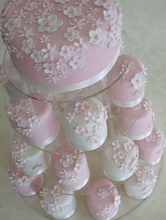 wedding cakes pink Mini cakes - C - weddingcake Gorgeous Cakes, Pretty Cakes, Cute Cakes, Amazing Cakes, Mini Wedding Cakes, Wedding Cupcakes, Mini Cakes, Wedding Desserts, Mini Desserts