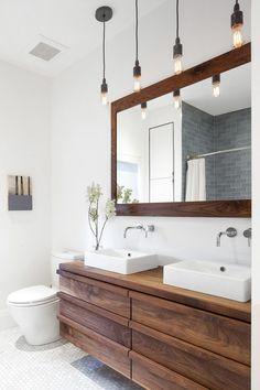 Geoffrey House in Toronto / Wanda Ely Architect Upstairs Bathrooms, Rustic Bathrooms, Master Bathroom, Bathroom Renovations, Home Remodeling, Bathroom Ideas, White Mosaic Tiles, White Marble Bathrooms, Bathroom Vanity Makeover
