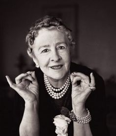 Syrie Maugham, British, interior decorator. Syrie Maugham / Pioneer of the White lived on Kings Road in London and was married to Somerset Maugham. She is another of the famous women decorators of the 1930's and 1940's.