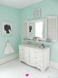 Oversized sillhouettes for the girls' rooms. LOVE the addition of the bow.