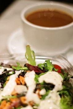 United Bakeries in Oslo, Norway taken by Asaki Abumi ノルウェーのカフェで注文するサラダはボリュームたっぷりで美味しい☆