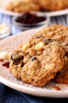 Chewy oatmeal cookies with a delightful combination of white chocolate morsels and tart dried cherries for a little sweet, a little tart and repeat. Vanishing Oatmeal Cookies, Healthy Oatmeal Cookies, White Chocolate Chip Cookies, Chocolate Chip Oatmeal, Chocolate Chips, Cherry Cookies, Cranberry Cookies, Healthy Dessert Recipes, Delicious Recipes