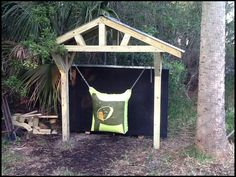archery hanging target with backstop Archery Range, Archery Hunting, Bow Hunting, Best Archery Target, Archery Target Stand, Outdoor Shooting Range, Outdoor Range, Crossbow Targets, Archery Targets
