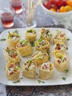 chorizo, salade, fromage de chèvre, basilic frais, crème fraîche épaisse, galette