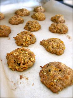 Soft and chewy drop cookies, packed with carrots, oatmeal, walnuts and currants. Carrot Recipes, Healthy Recipes, Healthy Food, Oatmeal Applesauce Cookies, Longest Recipe, Allergy Free Recipes, Fresh Bread, Food Videos, Recipe Videos