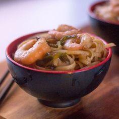 Tallarines fritos con gambas. Receta china con Thermomix Hoy nos vamos hasta China virtualmente hablando a comernos unos deliciosos tallarines fritos con gambas, una receta china exquisita con la que