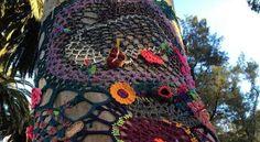 Yarn Bombing Lisboa ❥ 4U // hf Yarn Bombing, Captain Hat, Crochet Patterns, Knitting, Crafts, Inspiration, Tiles, Biblical Inspiration, Manualidades