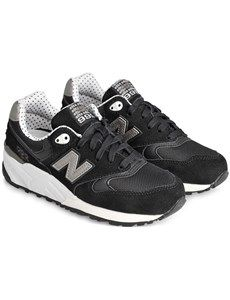 Model WL999 sneakers