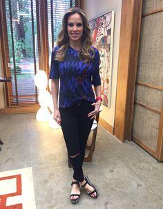 Ana Furtado investe em calça rasgada que é tendência de moda (Foto: Priscila Massena/Gshow)