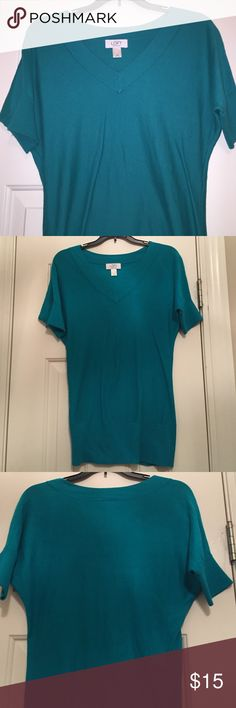 Loft Green Sweater Style Tee Great used condition. It is a fitted shirt. Great with jeans or shorts. 100% Pima cotton. LOFT Tops Tees - Short Sleeve