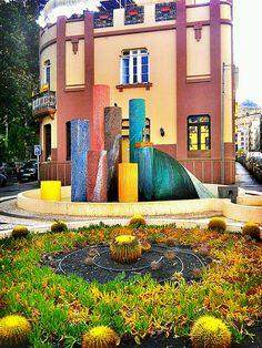Plaza Fernando Pessoa by asotavento.com, via Flickr