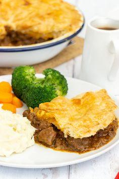 Scottish Steak Pie Recipe - Scottish Scran Slow Cooked Steak, Stewing Steak, Beef Steak, Easy Pie Recipes, Beef Recipes, Chicken Recipes, Dinner Recipes, Cooking Recipes, Scottish Steak Pie Recipe