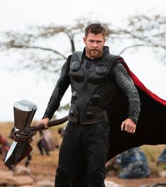 Early concept art for Marvel Studios' Avengers: Infinity War reveals at Thor who bears a resemblance to his Ultimate Universe counterpart. Marvel Comics, Marvel Fanart, Ms Marvel, Marvel Heroes, Marvel Characters, Captain Marvel, Chris Hemsworth Thor, Doctor Strange, Men In Black