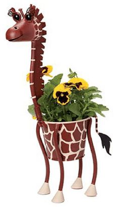 Dottie the Giraffe - Metal Mini Animal Planter Clay Pot Projects, Clay Pot Crafts, Garden Projects, Diy Crafts Slime, Slime Craft, Clay Flower Pots, Flower Pot Crafts, Diy Crafts For Home Decor, Outdoor Crafts