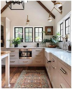 40 Best Modern Farmhouse Kitchen Decor Ideas And Design Trend In If you are looking for [keyword], You come to the right place. Below are the 40 Best Modern Farmhouse Kitchen Decor Ideas And Des. White Wood Kitchens, Modern Farmhouse Kitchens, Home Kitchens, Farmhouse Style, Kitchen Modern, Minimalist Kitchen, Kitchen Wood, Stylish Kitchen, Minimalist Design