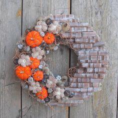 Deco Mesh Wreaths, Fall Wreaths, Halloween Crafts, Autumn, Pure Products, Crafty, Garden, Design, Home Decor
