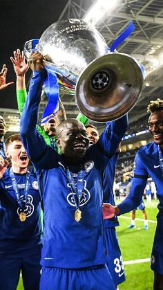 Chelsea Team, Chelsea Fc Players, Club Chelsea, Chelsea Football, Football Boys, Chelsea Wallpapers, Chelsea Fc Wallpaper, Best Football Players, Soccer Players