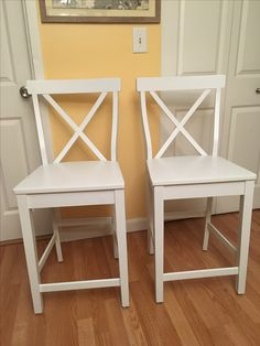 Dark wood high chairs painted with oil paint ( 2 coats) . Rubbed with Annie Sloan clear wax.