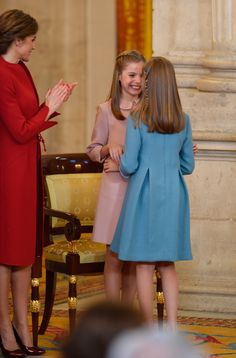 Sofía felicita a su hermana