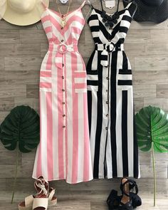 😍 🌻🌼Comentem abaixo🌻🌼 ⤵️⤵️⤵️⤵️⤵️⤵️⤵️⤵️ ☑️ Vem conhecer o IG ♥️ . Simple Dresses, Cute Dresses, Beautiful Dresses, Casual Dresses, Chic Outfits, Dress Outfits, Fashion Dresses, Hijab Stile, Frack