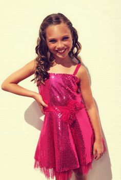 Maddie Ziegler made a public appearance at the Teen Choice Awards 2012 - Dance Moms Maddie And Mackenzie, Mackenzie Ziegler, Maddie Zeigler, Cute Dance Costumes, Brooke Hyland, Shaytards, Abby Lee, Young Celebrities, Costumes For Teens