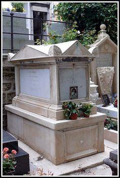 """Alphonsine Marie du Plessis"""" La Dame aux camélias""""*1824 - Nonant-le-Pin (Orne)+1847 TBC_11. boulevard Madeleine, Paris 8e Pohřbena Paris (75) - 18. arrondissement - cimetière Montmartre - 15.division_1844-45 maîtresse Alexander Dumas fils+ Frans Liszt"""
