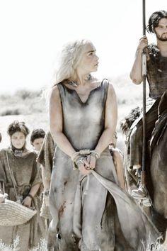 "lordbryndenrivers:  Daenerys Targaryen in S06E01 ""The Red Woman"" x"