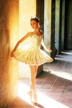 Pointe ballet ballerina dancer