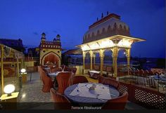 #GoOnIndia Hotel Umaid Bhawan, Jaipur boasts traditional furnishings and Rajasthani architecture. It is the ideal place for travellers looking for a pleasant stay in Jaipur as it gives easy access to all major tourist attractions. https://www.goibibo.com/hotels/hotel-umaid-bhawan-in-jaipur/