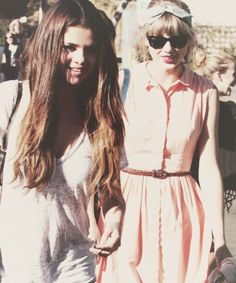 Selena Gomez & Taylor Swift