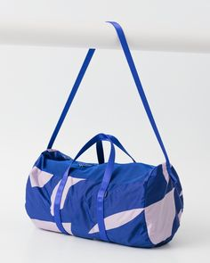 The WeekenderLet's be real: Showing up to the car-rental place with your giant roller suitcase for a two-day excursion with your S.O. is pretty high-maintenance. A quality duffel that fits the essentials is all you need.Baggu Sport Duffel, $36, available at Baggu.  #refinery29 http://www.refinery29.com/classic-style#slide-9