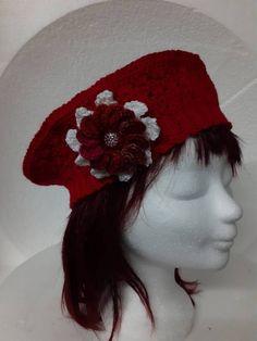 Rode dames hoed model matrozen hoedje €17,50 Nieuw in de collectie! De dames matrozen hoed in de kleur rood. Voor alternatieve kleding fans. Echt handwerk van Nederlandse bodem. Fans, Crochet Hats, Fashion, Craft Work, Knitting Hats, Moda, La Mode, Fasion, Fashion Models