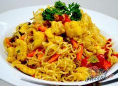 Vynikající oběd za 20 minut z jedné pánve Asian Recipes, Ethnic Recipes, Malaysian Food, Wok, Crepes, Kids Meals, Cauliflower, Macaroni And Cheese, Chicken Recipes