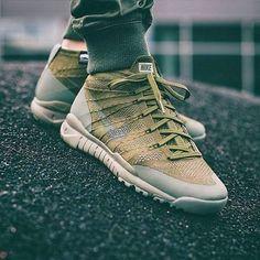 Nikes sneakers!!