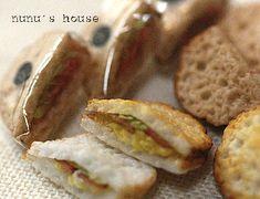 クリックすると元のサイズで表示します nunu's house - by tomo tanaka. All The Small Things, Mini Things, Tiny Food, Fake Food, Mini Sandwiches, Doll Food, Bread And Pastries, Good Enough To Eat, Miniture Things