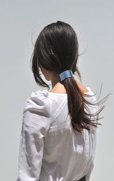 Sylvain Le Hen Ponytail Barrette - Silver on Garmentory Casual Hairstyles, Messy Hairstyles, Pretty Hairstyles, Updo Hairstyle, Prom Hairstyles, Hair Styles 2016, Medium Hair Styles, Chignon Wedding, Quinceanera Hairstyles