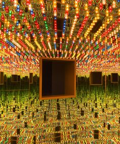the hirshhorn museum hosts six immersive infinity mirror rooms by yayoi kusama Infinity Mirror Room, Infinity Room, Conceptual Art, Surreal Art, Hirshhorn Museum, Most Popular Artists, Cleveland Museum Of Art, Yayoi Kusama, Rainbow Art