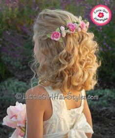 New wedding hairstyles medium length curls headbands ideas Flower Girl Hairstyles, Little Girl Hairstyles, Headband Hairstyles, Easy Hairstyles, Wedding Hairstyles, Braided Hairstyle, Hairstyle Ideas, Bridesmaids Hairstyles, Medium Hair Styles