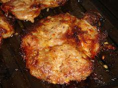 Nem vagyok mesterszakács: Hétvégi menüajánlat: mézes-mustáros fűszerpáccal grillezett tarja többféle sajttal és hagymával sütve, krumpliágyon, sütőben Grilling, Pork, Kale Stir Fry, Crickets, Pork Chops