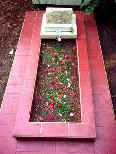 Makam Ayahnda